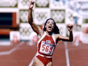 Flo jo - World female 100m tracks record holder
